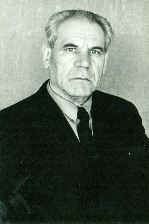 Учитель географии Николай Иванович Емельянов