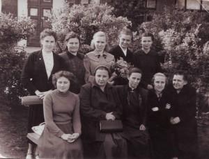 Учителя школы с директором Серебренниковой Л.Г.1954-55 уч.год